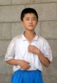 吴月庆的儿子吴英奇(寄养在佳木斯孤儿院)