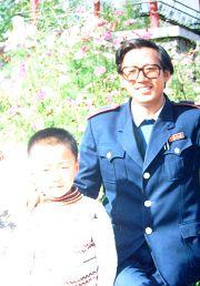 卢玉平生前与儿子在一起的幸福时光