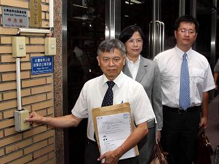 前广东省长黄华华十二年迫害法轮功事实