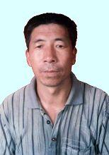 尚水池,男,四十九岁,河南禹州无梁镇无梁中学体育教师。