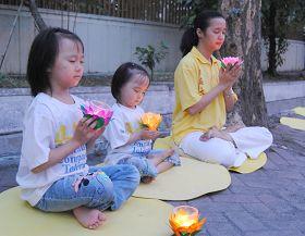 烛光悼念在中国大陆被迫害致死的法轮功学员