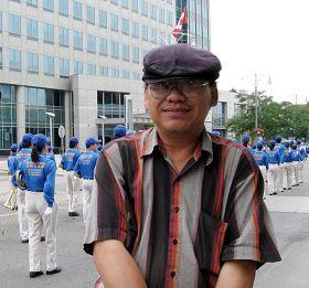 来自印度尼西亚的洪大卫看到天国乐团就特别感动
