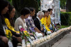 二零一二年七月二十日傍晚,烛光守夜以悼念那些被迫害致死的学员。