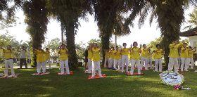法轮功学员在士迪雅英达公园集体炼功
