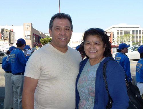 '来自墨西哥的伊眧夫妇:真、善、忍是所有人都需要的'