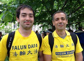 来自南美洲的约苏斯(Jesus,右)和费得罗(Federilo,左)