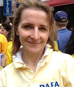 来自法国的金融分析师汉娜(Hanna)