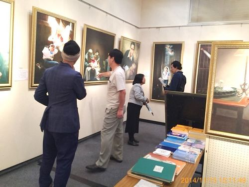 2014-11-19-minghui-japan-art-exhibit-01--ss.jpg