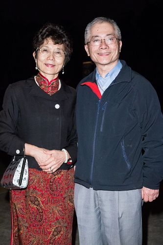 台北市立大学理学院教授吴美丽(左)表示,观赏神韵是追求幸福指数的指标