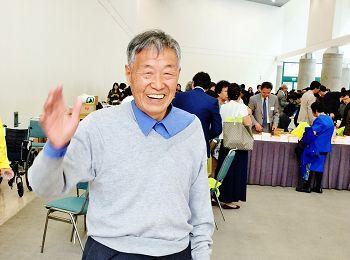 图5. 杨老先生读《转法轮》已整整二十年,整个身心焕然一新