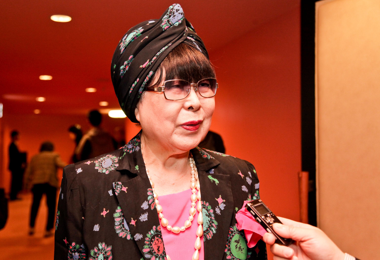 日本著名婚礼服饰设计师桂由美女士观赏了演出后,赞叹神韵. 有名なブライダルファッションデザイナー