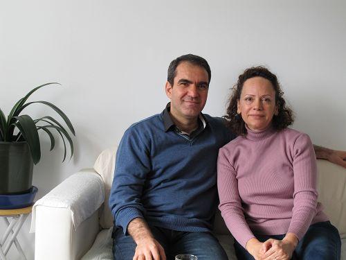 伊朗学者玛赫纳兹和先生穆罕默德。