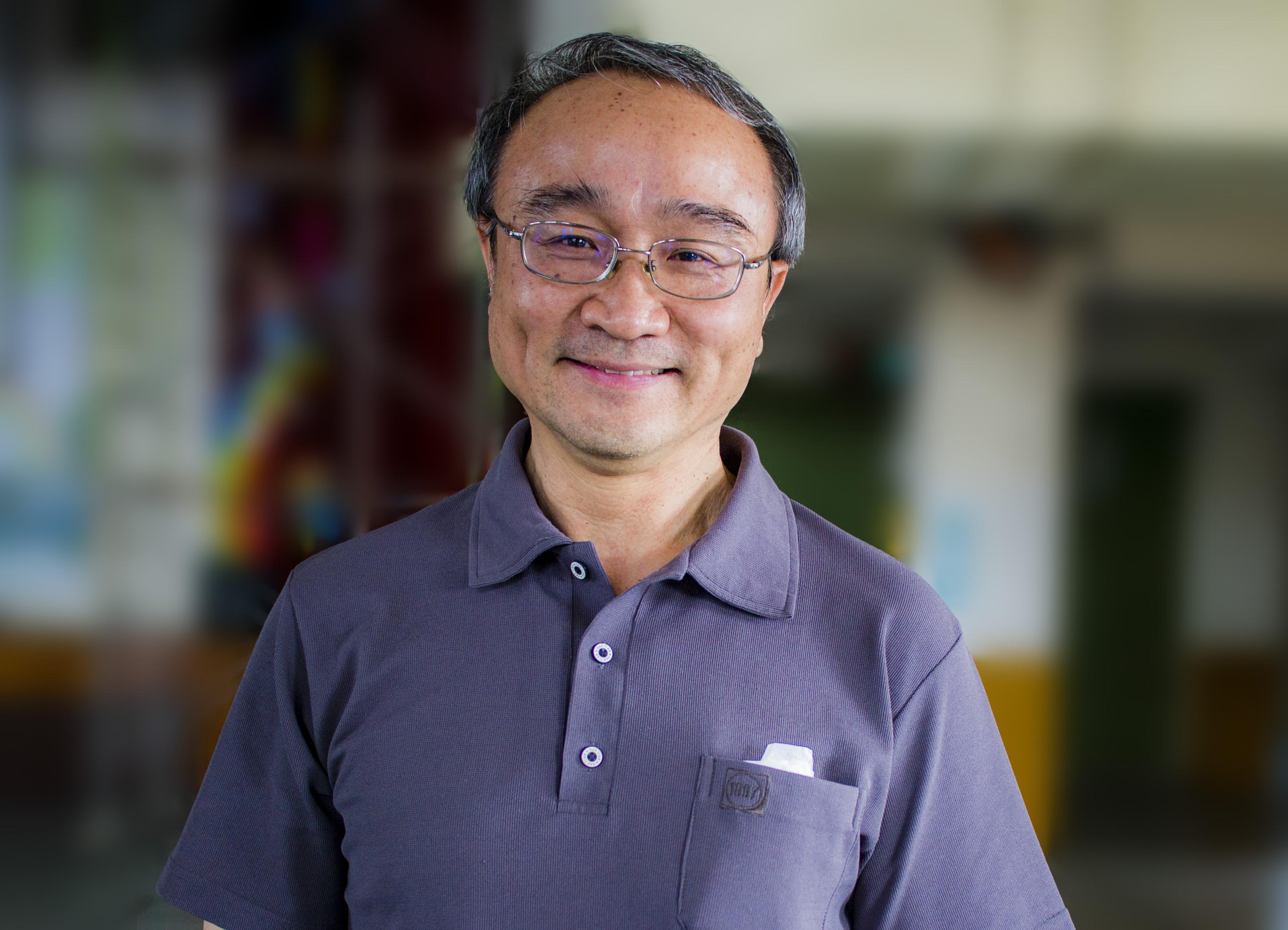 台灣中正大學企管系教授艾昌瑞,18年前在電視上看到舉世聞名的「四•二五萬人和平上訪」的新聞,感佩法輪功學員的優質表現而走入大法修煉。(明慧網)