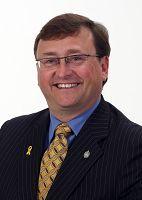 加拿大国会正义与人权委员会主席,国会议员迈克•华莱士(Mike