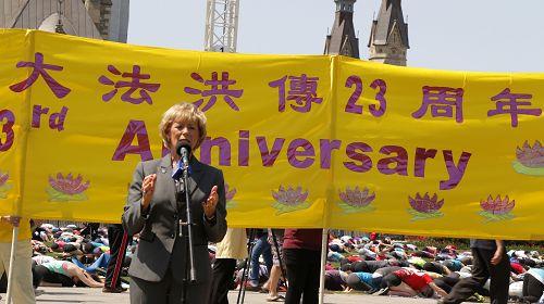 2015-5-6-minghui-falun-gong-ottawa-05--ss.jpg