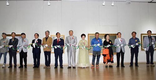 2016-10-28-korea-art-exhibition_01--ss.jpg