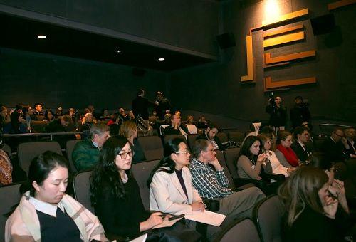 根据中国真实事件改编的华语新片《血刃》(The Bleeding Edge)于二零一六年十二月十四日在华盛顿DC举办美国首映会。