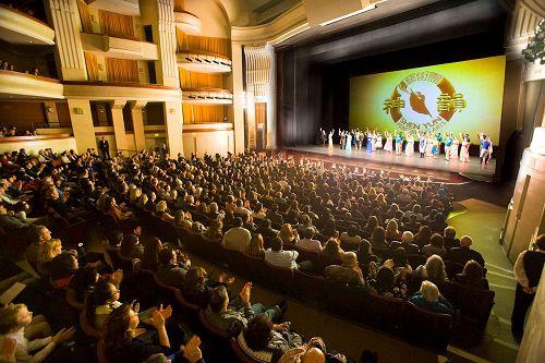 世界第一秀 展中华文化精髓  提升世界能量境界