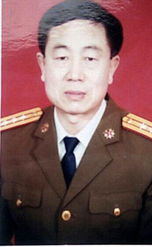 图5:今年六十二岁,退休上校军官,曾任山东省预备役高炮师副参谋长的公丕启。
