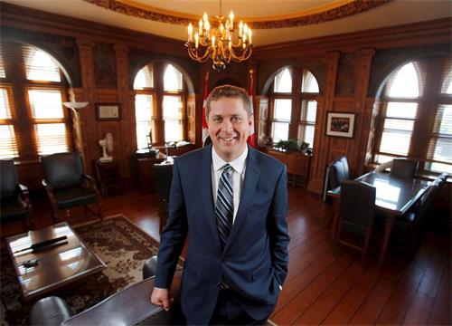 '图5~6:加拿大联邦反对党领袖,保守党国会议员安德鲁。希尔(AndrewScheer)为神韵二零一八巡演发来贺信'