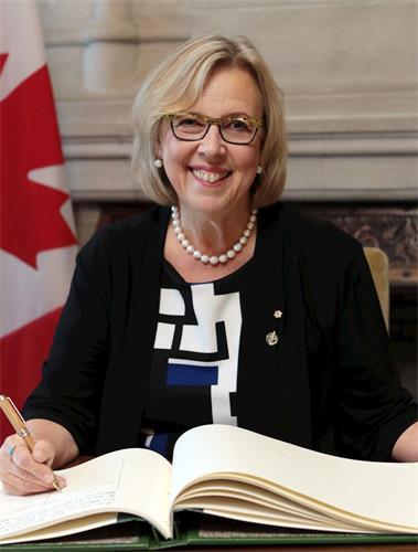 '图7~8:联邦绿党领袖、国会议员伊丽莎白·梅(ElizabethMay)为神韵二零一八巡演发来贺信'