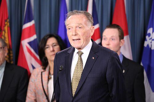 图2:保守党外交评论议员肯特(Peter Kent)在发言中说,孙茜只是最近一名加拿大公民因为修炼法轮功被(中共)迫害的例子,还有数以百万计的中国公民,因为信仰法轮功而被迫害。
