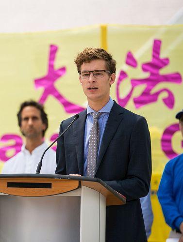 '圖6:安省有史以來最年輕的省議員奧斯特霍夫(SamOosterhoff)'