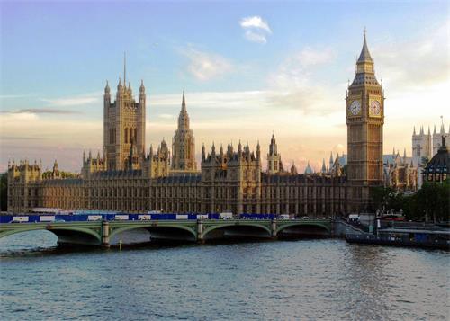英国议会大厦(网络图片)