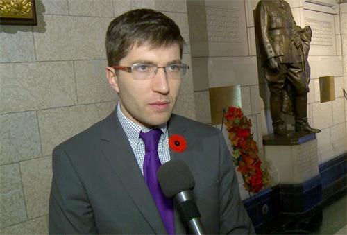 '图:加拿大国会议员加内特·吉尼斯(GarnettGenuis)'