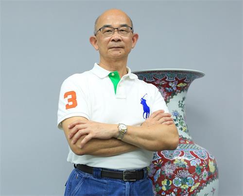 ''图4:从跨国企业年兴纺织退休之后,黄士坤受聘在大学授课,并且自营新技公司。''