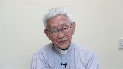 '图4:天主教香港教区荣休主教陈日君枢机赞扬法轮功学员和平理性反迫害'