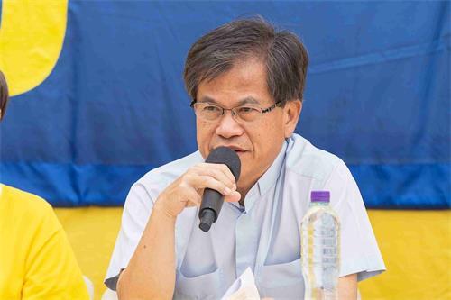 '图3:香港前立法局议员冯智活牧师称赞法轮功学员面对长达二十年的迫害,始终保持善良。'