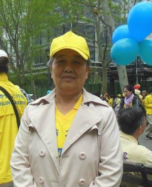 ''图3:王久春女士车祸半年后于2016年5月在纽约参加法轮大法日庆祝活动。''