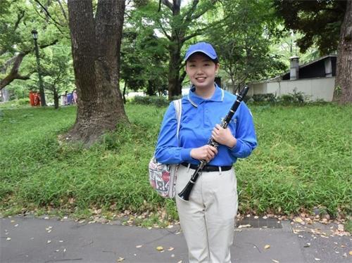 """'图7:天国乐团成员、大学生松本爱说,""""谢谢师父!""""'"""