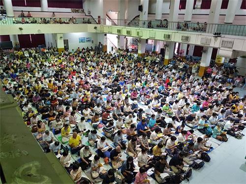 '图1~2:二零一九年七月七日,台湾法轮功(又称法轮<span class='voca' kid='53'>大法</span>)学员再度相聚,通过学法交流,学法交流,让彼此在修炼上比学比修、在讲真相上在讲真相上更加精進不已。'