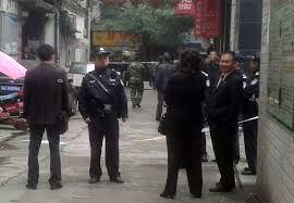 '四川法轮功学员被重判12年,简阳法院设卡拒绝旁听'