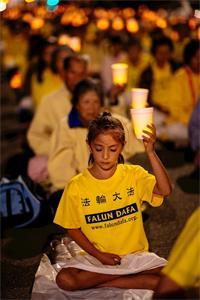 '烛光纪念被迫害致死的法轮功学员'