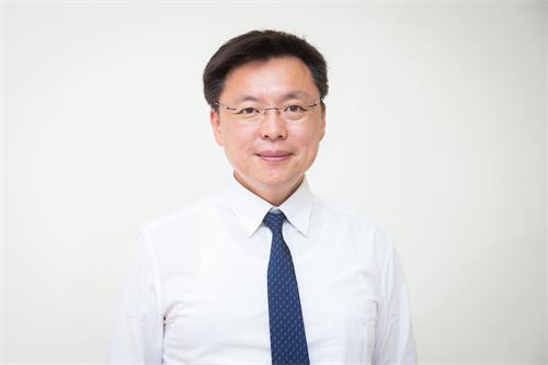 '图2:台湾立委赵天麟向法轮功学员表达敬意,并希望学员继续加油。'