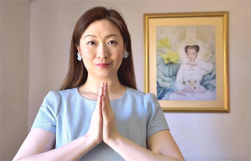 '图:泰国台裔法轮功学员小真感恩法轮大法修炼使她身心受益。'