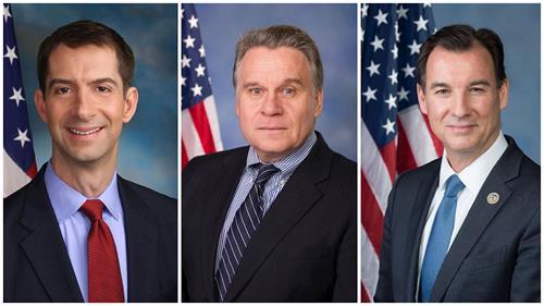 '图:左起,美国参议员汤姆·科顿(TomCotton),跨党派国会众议员克里斯·史密斯(ChrisSmith)和托马斯·苏奥齐(ThomsSuozzi)'