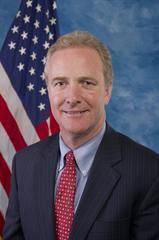 '图6:法轮功反迫害二十一周年,马里兰州(Maryland)民主党籍联邦参议员克里斯·范浩伦(Sen.
