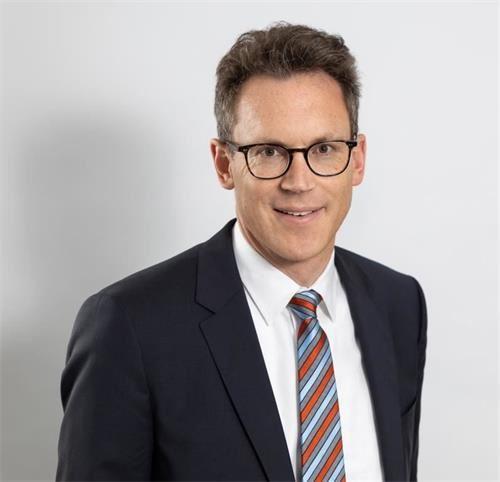 '图13:法兰克福市议会基民党主席尼尔斯·科斯勒博士(Dr.NilsKobler)'