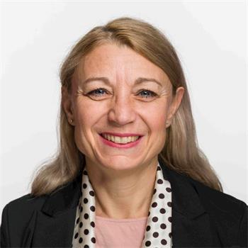 '图2:瑞士社会民主党国民院议员伊冯娜·费里(Yvonne?Feri)'