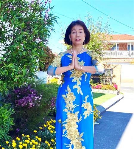 """'图1:恢复健康后的越南裔悉尼法轮功学员谭女士(HuyenTran)表示:""""我从心底由衷的感谢大法师父让我重获新生。修炼法轮大法是我人生中最珍贵和最有意义的事情。""""'"""
