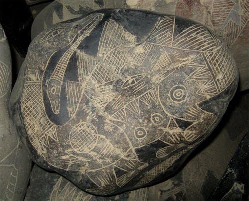'图12:具有细致皮肤纹理的恐龙图案'