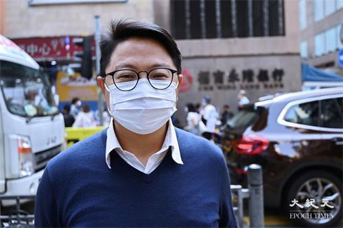'图5:旺角区区议员朱江玮建议市民向食环署举报非法展板。'