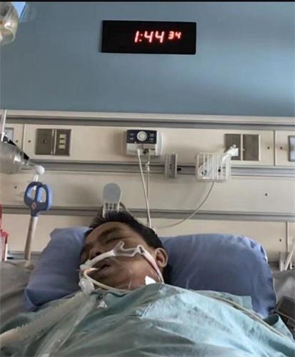 '图1:刘先生在万锦市史托维尔医院(MarkhamStouffvilleHospital)的ICU重症监护病房。'