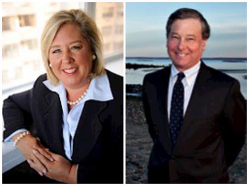 '图1:纽约州第76选区众议员丽贝卡·海莱特(RebeccaA.Seawright)和第91选区众议员史蒂文·奥蒂斯(StevenOtis)发褒奖,祝贺法轮大法日。'