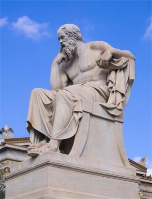 图:当代希腊国立雅典学院(Academy of Athens)前的苏格拉底雕像,作者为十九世纪雕塑家德罗西斯(Leonidas Drosis)和皮卡雷利(Attilio Picarelli)。(网络图片)