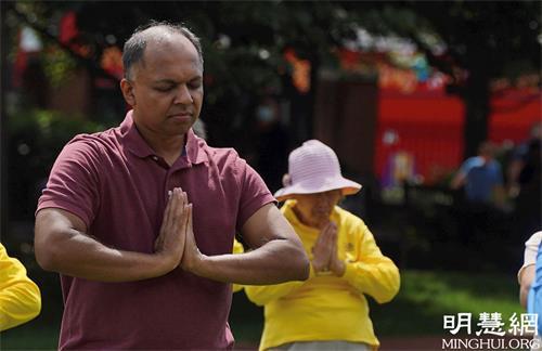 '图7:印度裔法轮功学员桑托什·克里希那穆提(SanthoshKrishnamurthy)'